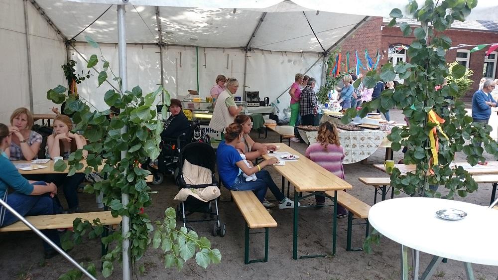 Kinderfest - Kaffee und Kuchen